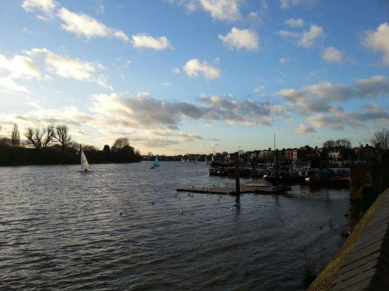 Il lungofiume di Hammersmith